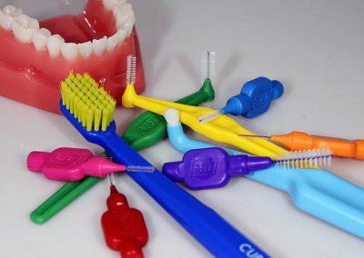 sada na čištění zubů tepe a curaprox